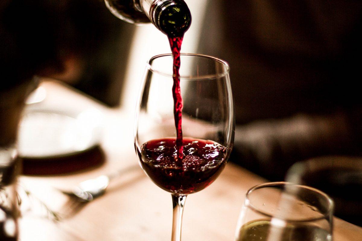 10 טיפים מנצחים לתזונה נכונה בחגים - יין - מגזין רפואי